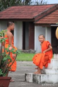 Monjes budistas en Vientiane