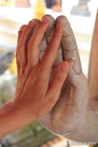 Mano con mano con Buda
