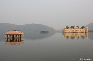Palacio a las afueras de Jaipur