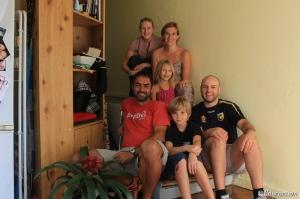 La familia con Clayton y Melissa